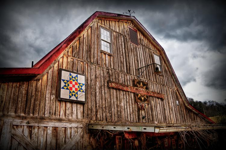 Tennessee Barn in Appalachia - Grand Prize Winner of the 15th annual Tennessee Home and Farm Photo Contest