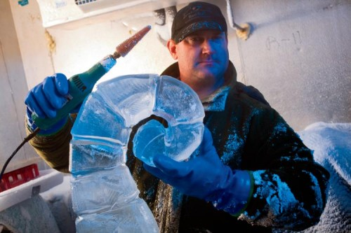 Ice-carving Champion Matt Simonds from LaVergne, TN