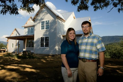 Tennessee Farmers Build Eco-Friendly Farmhouse