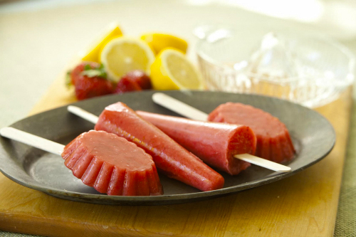 Strawberry Lemonade Ice Pops
