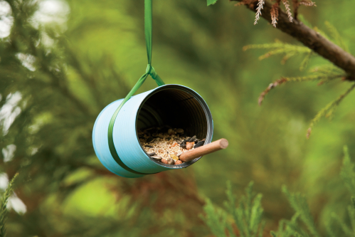 DIY Soup Can Bird Feeder